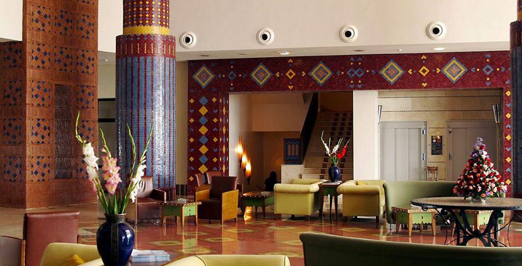 El interiorismo árabe del vestíbulo te encantará