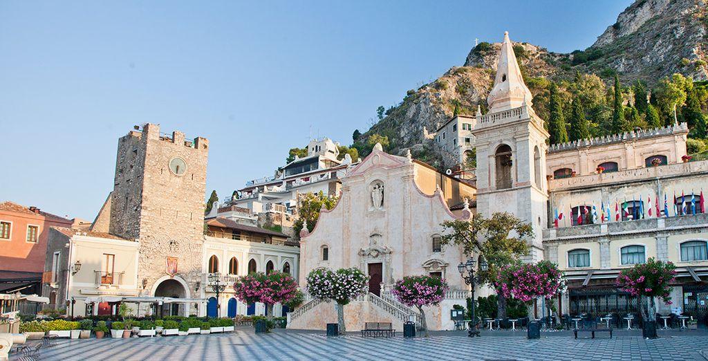 Observa cada detalle de la bella localidad siciliana