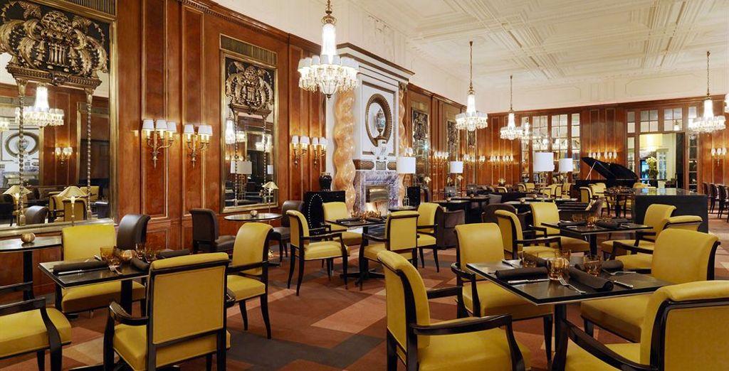 Saborea las delicias gastronómicas del Bristol Lounge