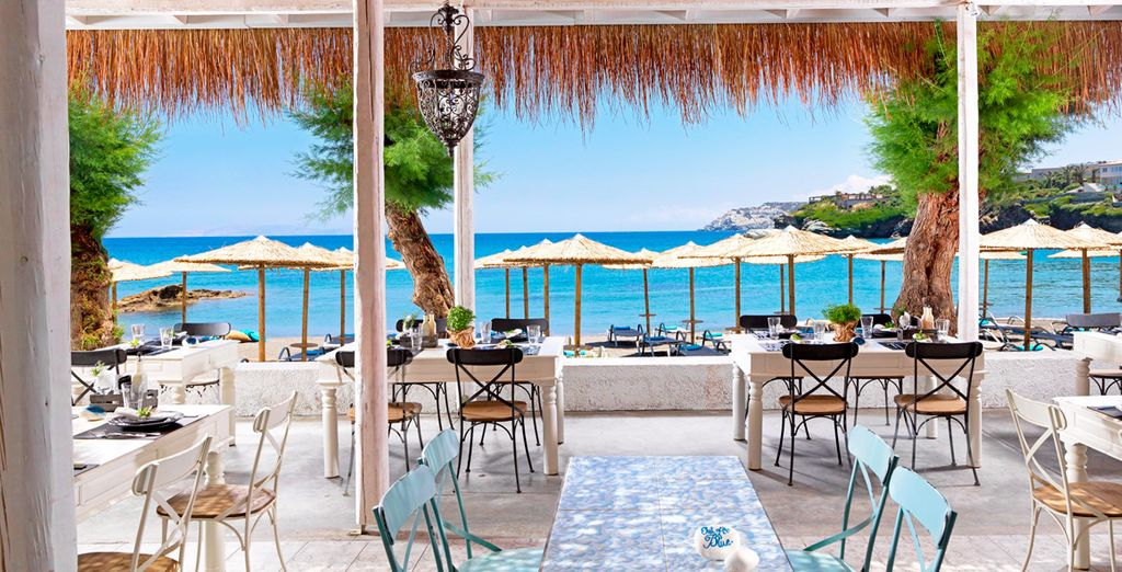 Un resort con múltiples restaurantes