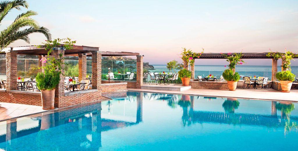 Bienvenido a Out of the Blue Capsis Elite Resort 5*