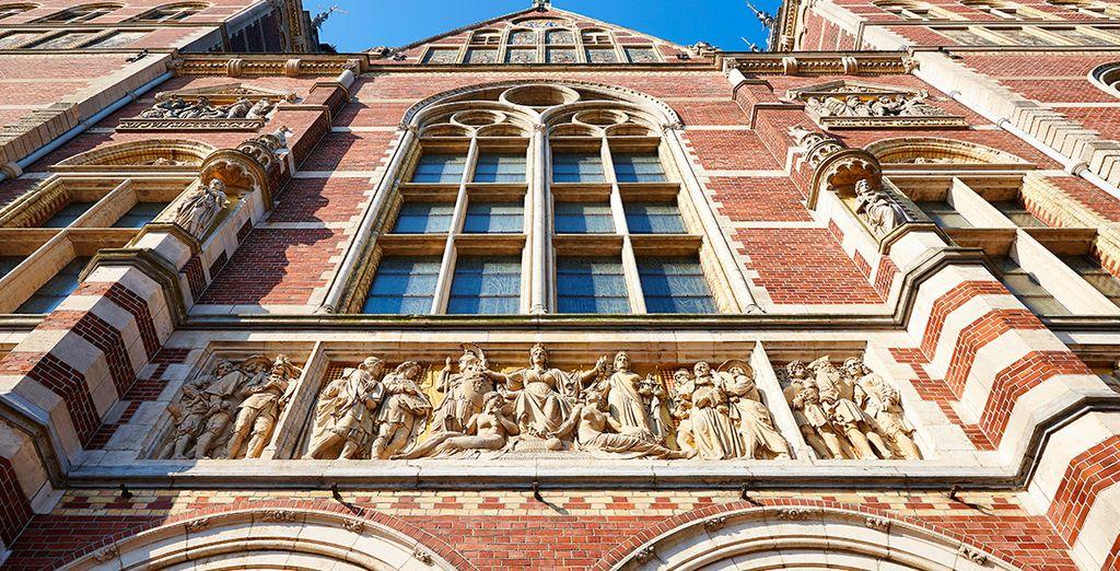 A muy poca distancia del importante Rijksmuseum...