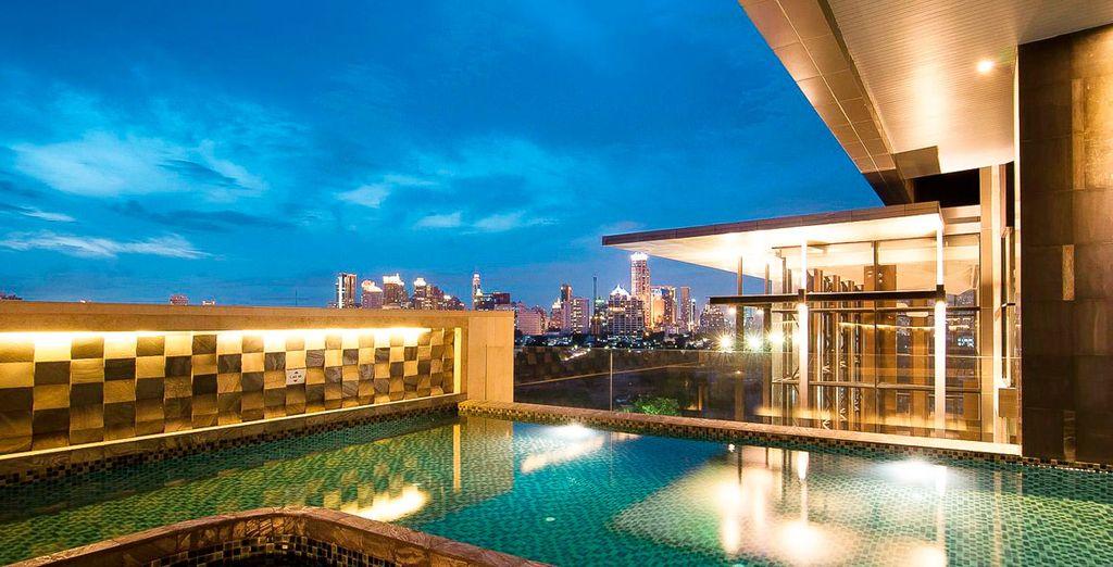Tu primer hotel será el AETAS Lumpini, un exclusivo 5* que te fascinará por completo