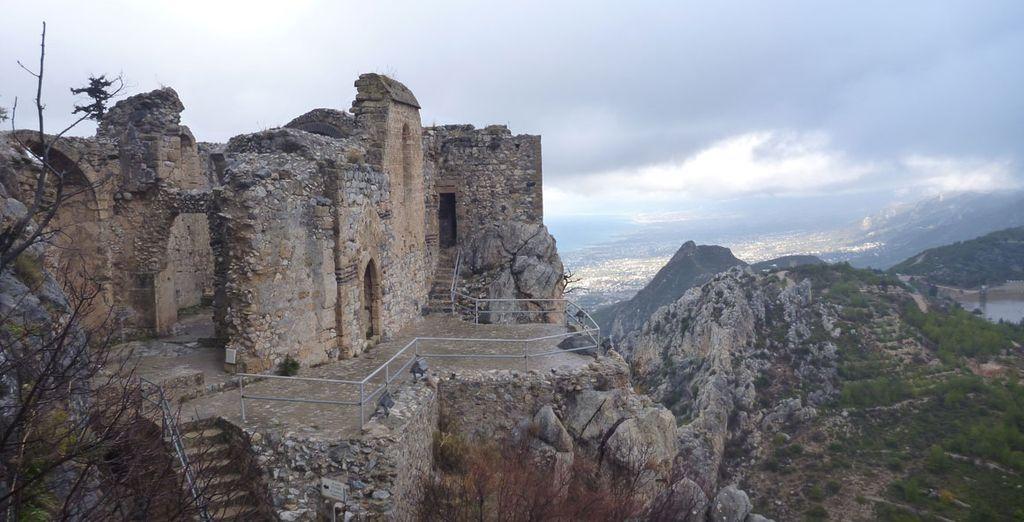 ...donde se encuentra el Castillo de San Hilarión