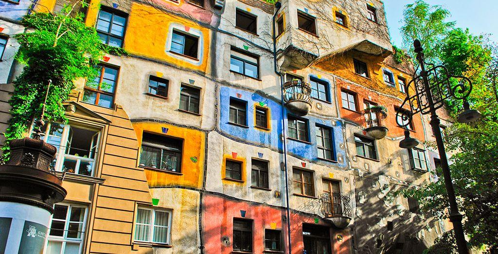 El moderno edificio Hundertwasserhaus