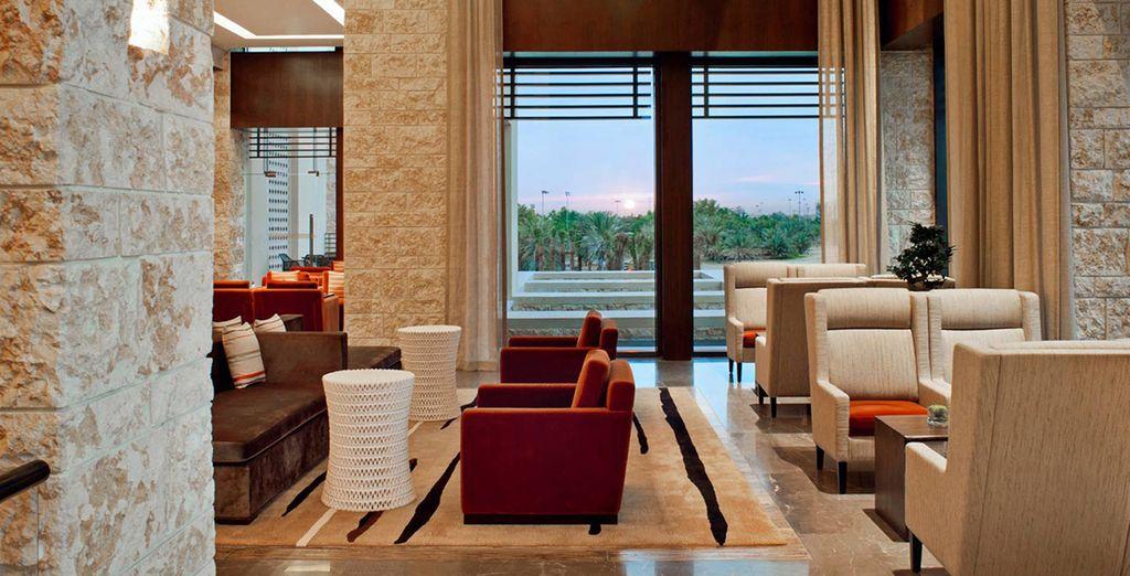 Relájate en el lobby con vistas