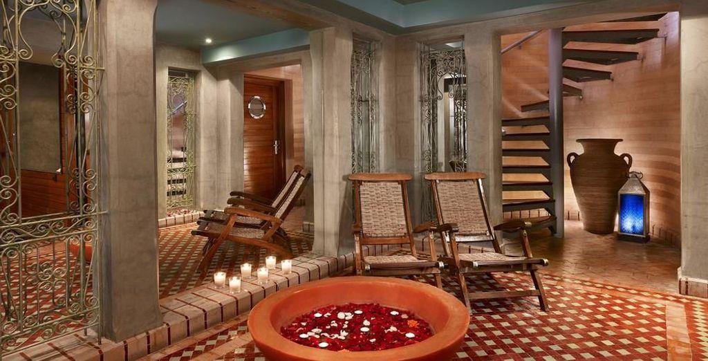 Un spa con decoración tradicional