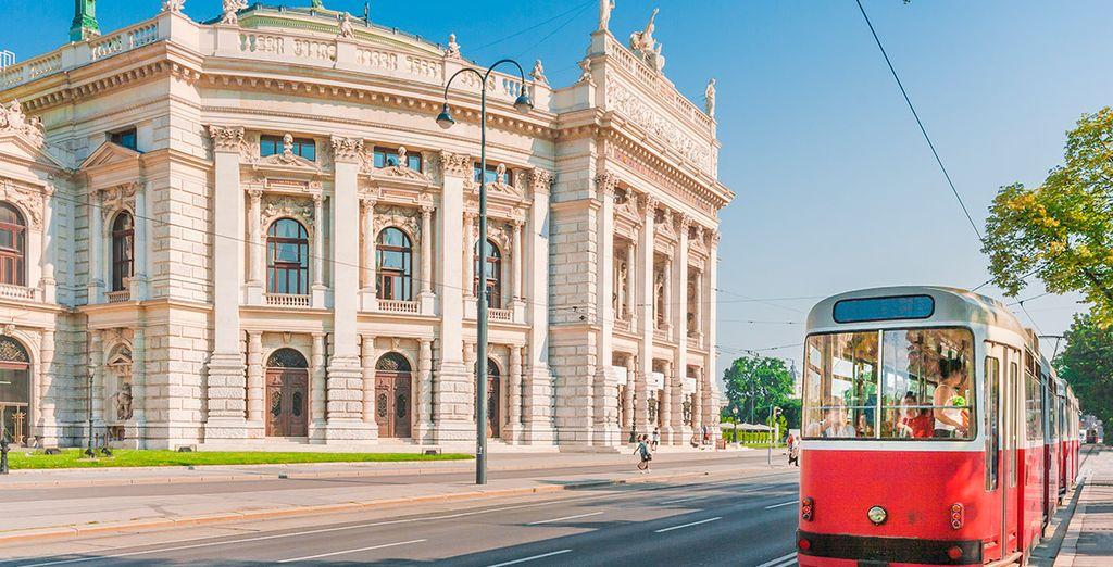 El hermoso edificio de Burgtheater