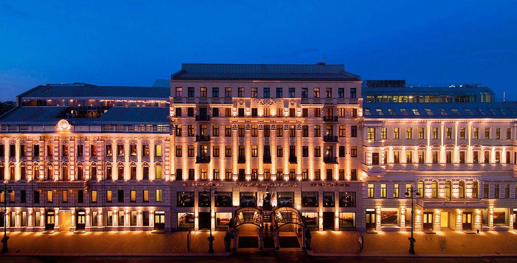 Bienvenido a Corinthia Hotel St. Petersburg 5*, un hotel de lujo