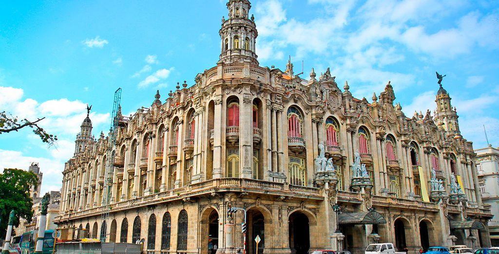 Gozarás de un magnífico tour por La Habana Colonial, y la más moderna capital cubana