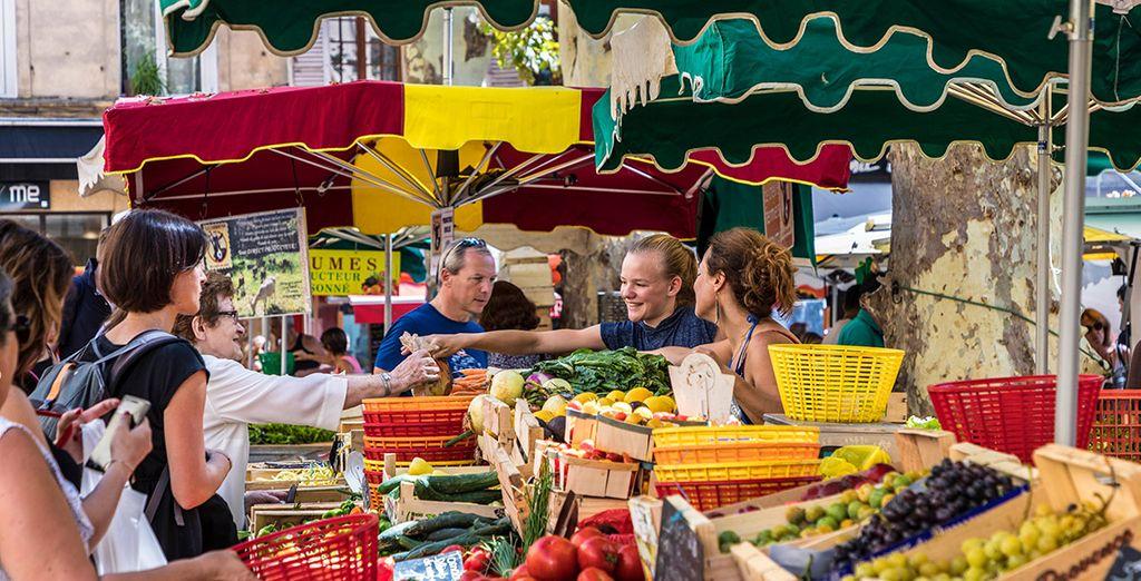 Aprovecha los días de mercado para disfrutar con su ambiente