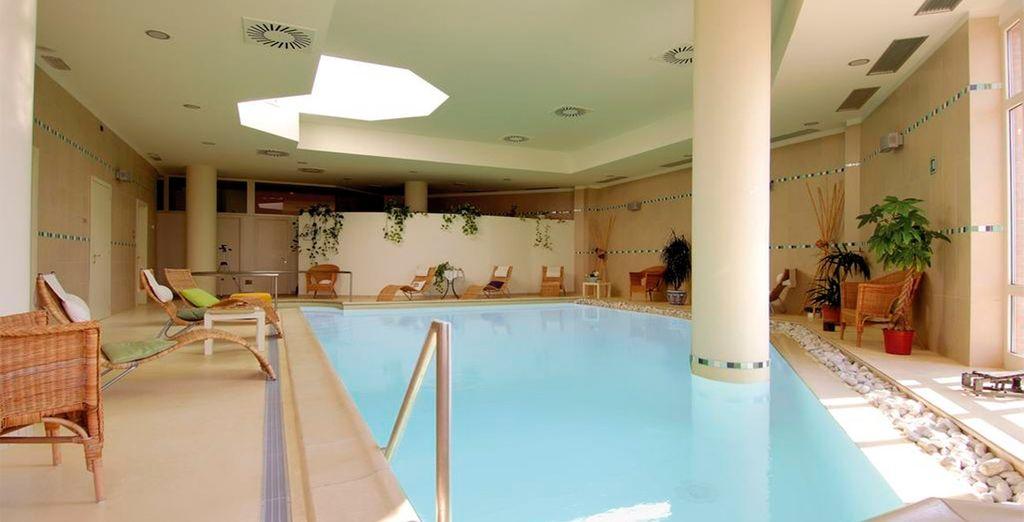 Aprovecha el acceso y los descuento que te incluimos en el Spa del hotel...