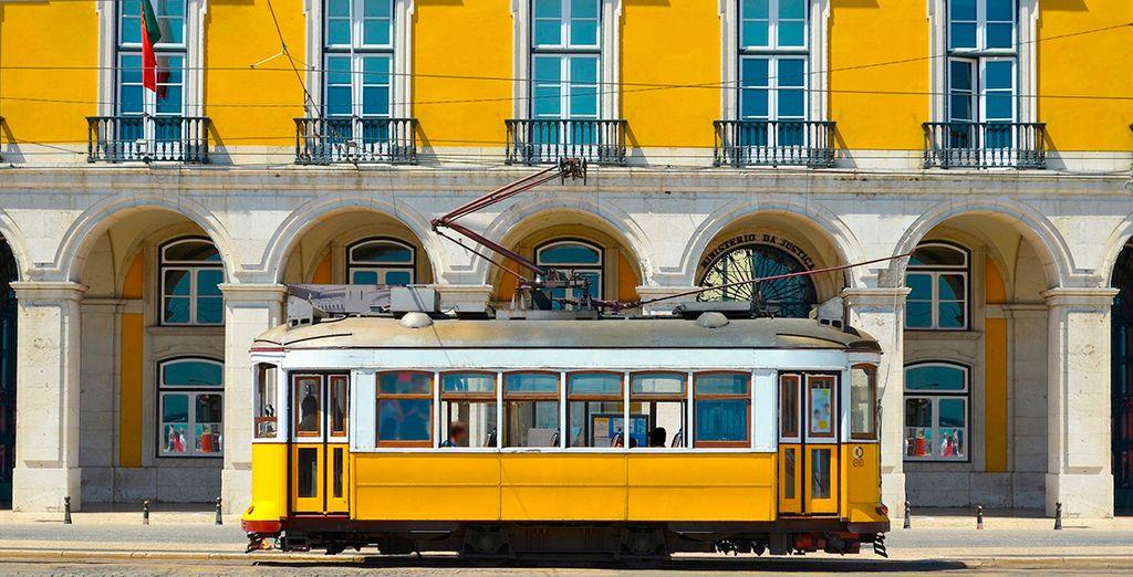 Súbete en el famoso tranvía amarillo