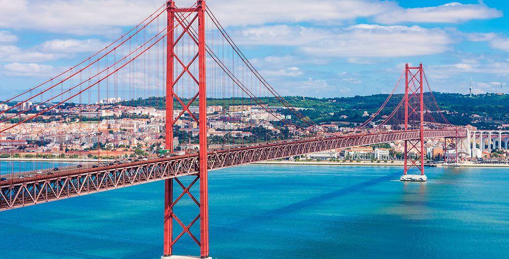 El Puente 25 de Abril, icónico de Lisboa