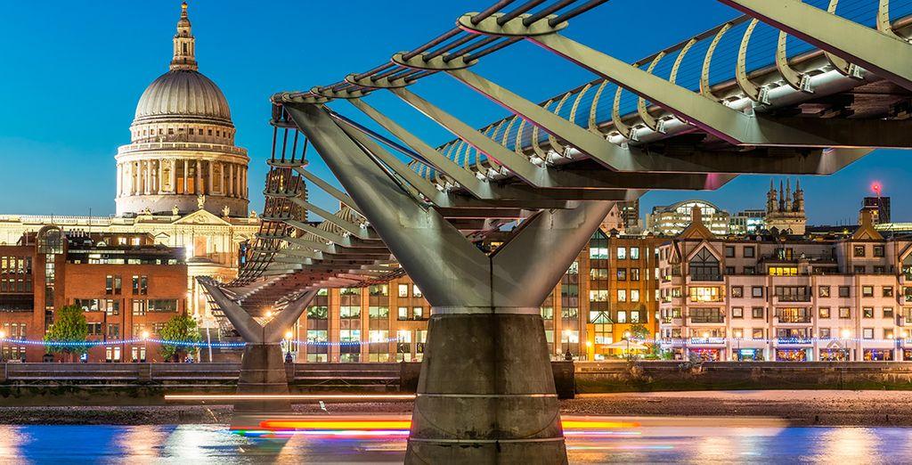 Una ciudad de contrastes entre lo moderno...