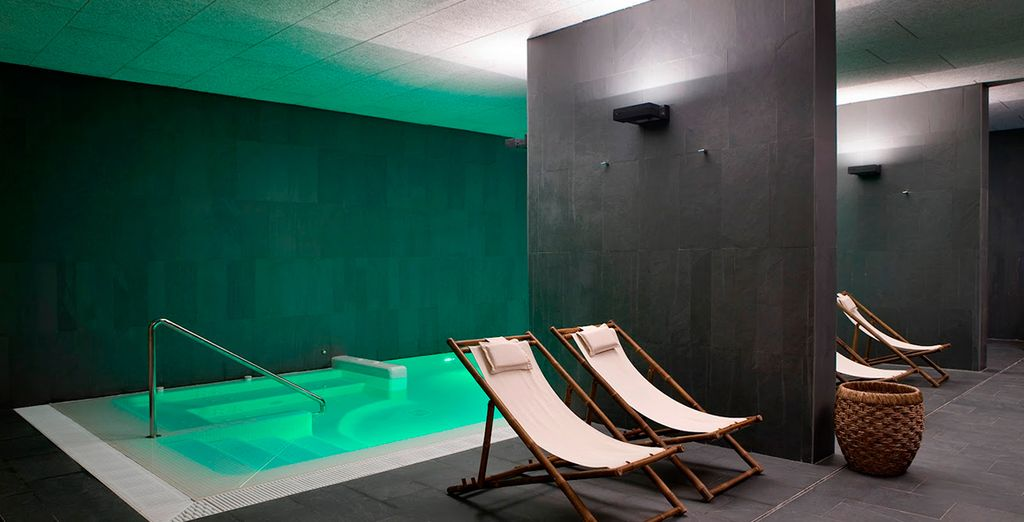 Disfruta del pase que te incluimos a su moderno spa...