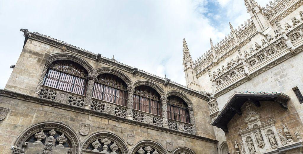 Visita la catedral, muy cerca del hotel