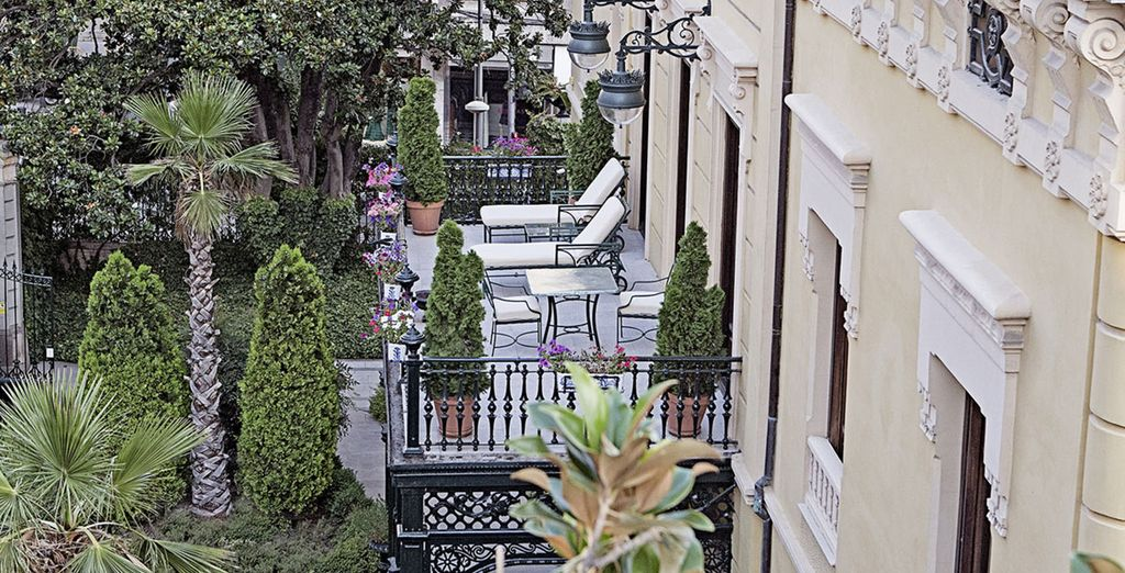 Un hotel de arquitectura clásica e industrial catalogado como Bien de Interés Cultural