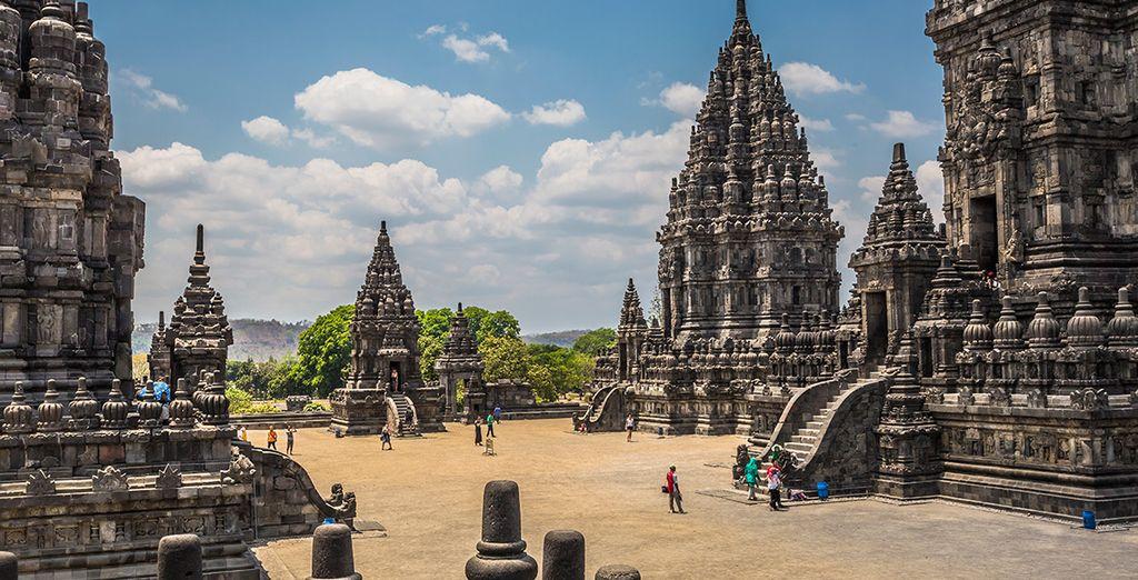 El templo de Prambanan, uno de los grandes atractivos de Java