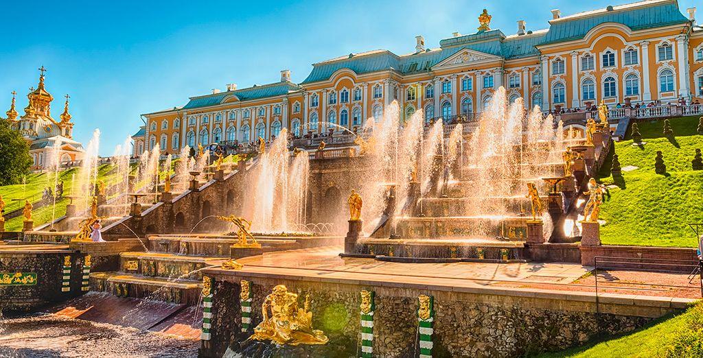 El palacio de Peterhof te maravillará