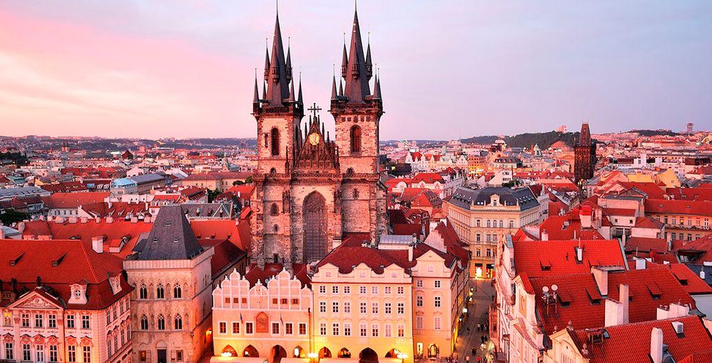 Tu segundo destino será Praga... ¡Sumérgete en un auténtico cuento de hadas!