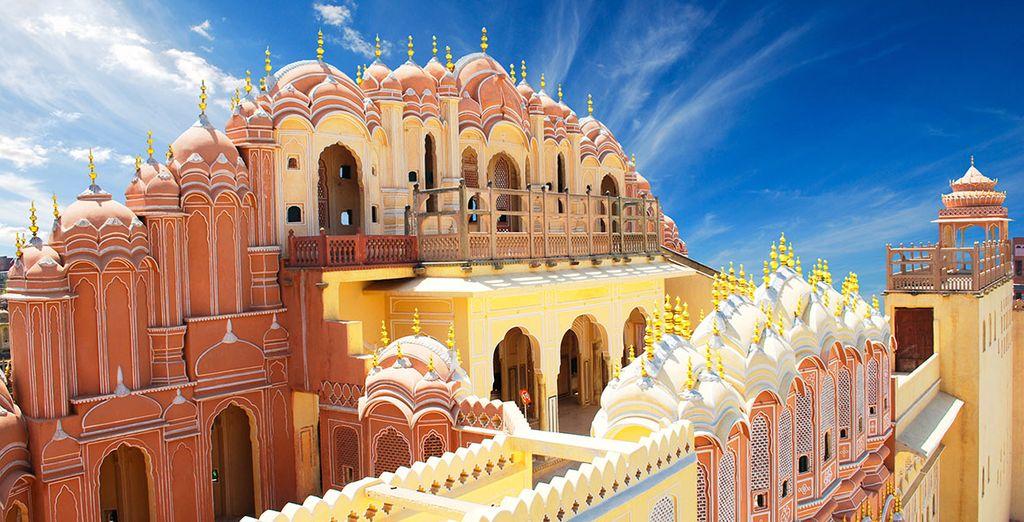 Allí visitarás el palacio Hawa Mahal
