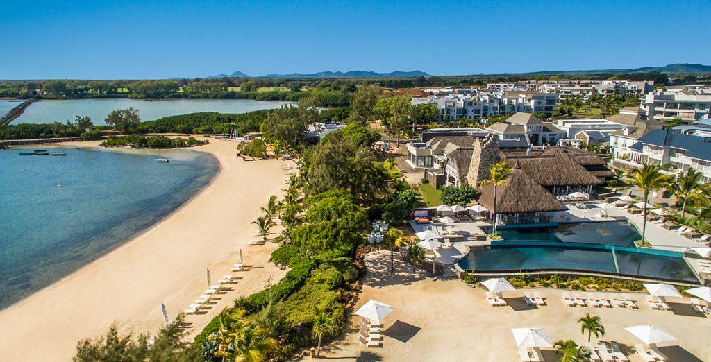 Radisson Blu Azuri Resort & Spa 5* te da la bienvenida