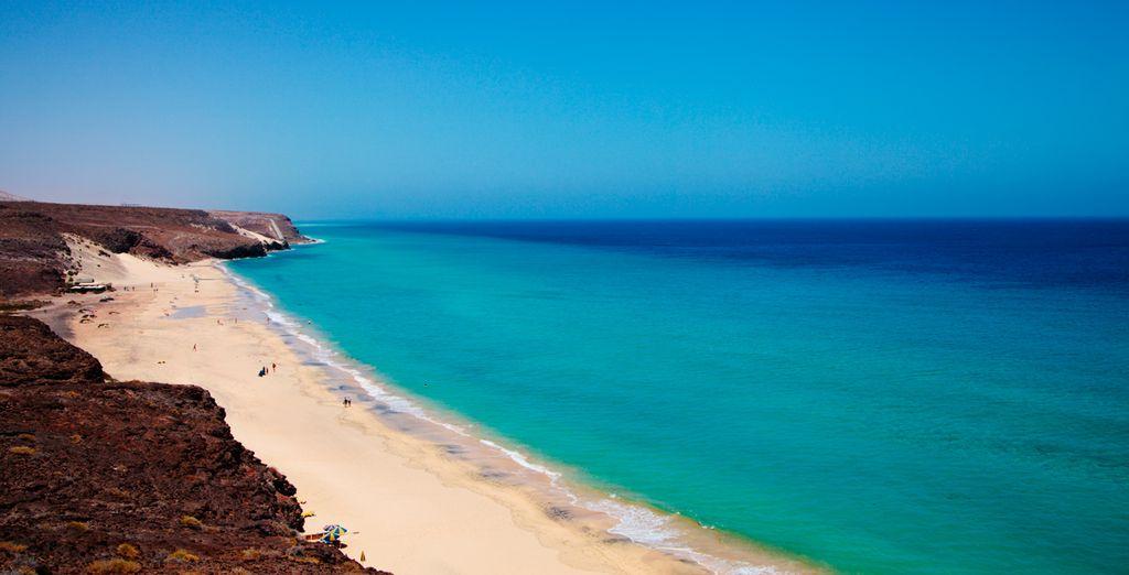 Disfruta de la Costa Calma, donde se encuentra el hotel
