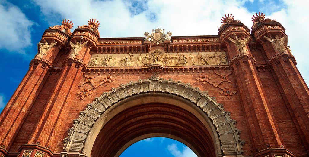 Fotografíate junto al Arco de Triunfo