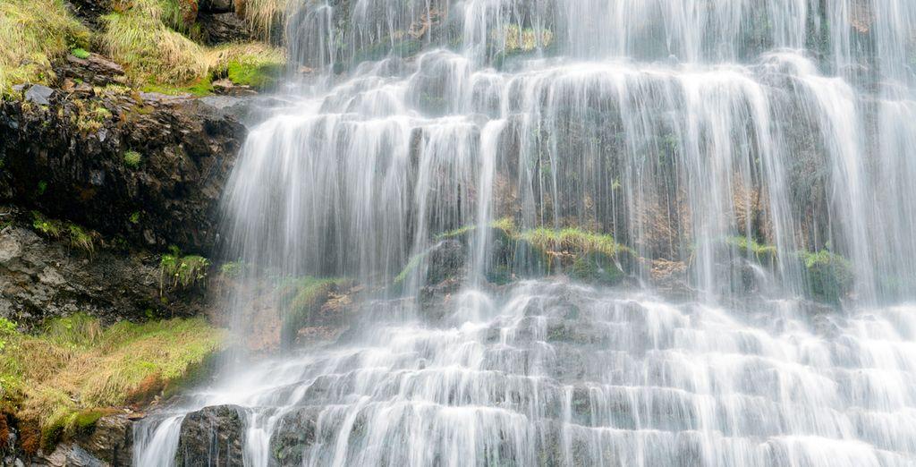 La Cascada de Cola de Caballo, en el Parque Natural