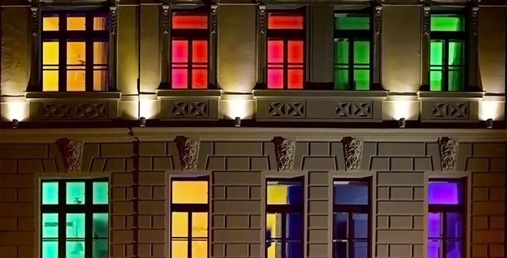 Un hotel elegante y colorido situado en una zona tranquila del centro de Praga