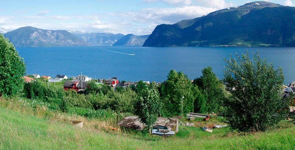 Y llegarás a Leikanger, situado en la preciosa región de Sognefjord