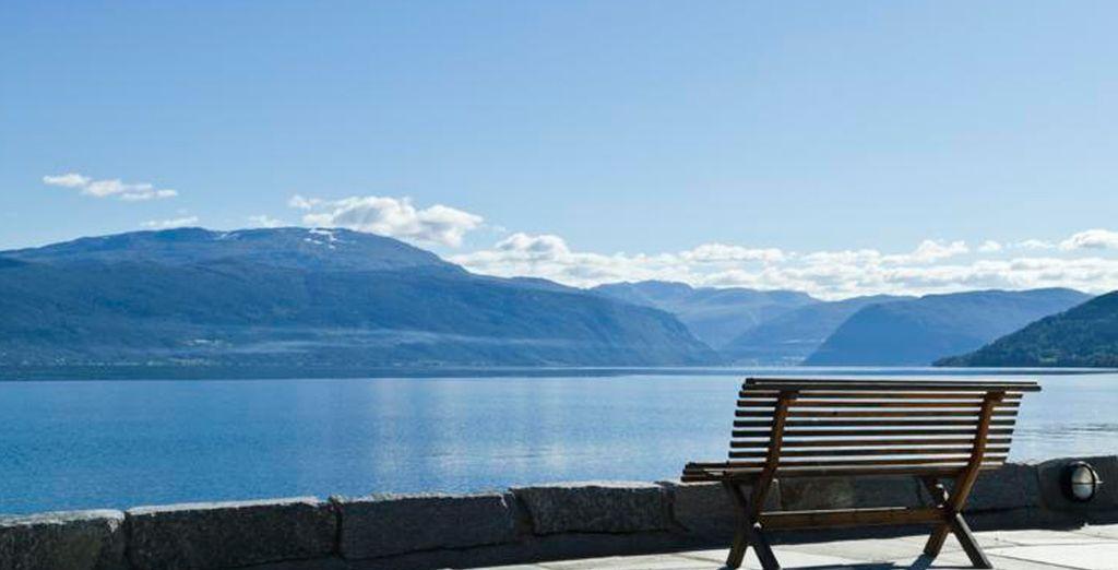 Ofrece impresionantes vistas del Sognefjord