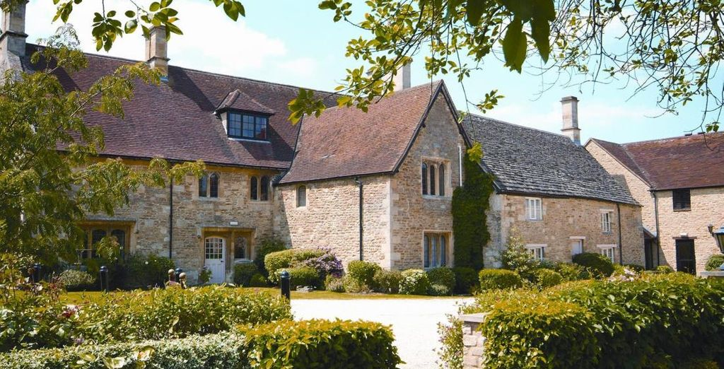 Bienvenido a tus soñadas vacaciones, De Vere Oxford Thames 4* será tu alojamiento en la bonita Oxford