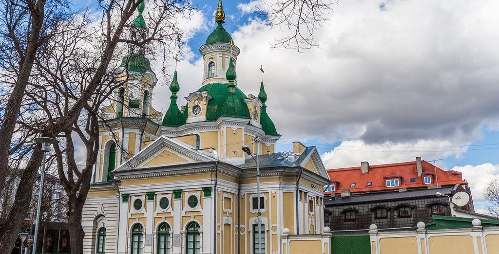 En el cuarto día, visitarás la ciudad costera de Pärnu...
