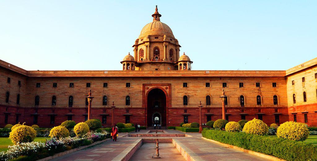 Continuarás con una panorámica de los edificios gubernamentales a lo largo del Raj Path