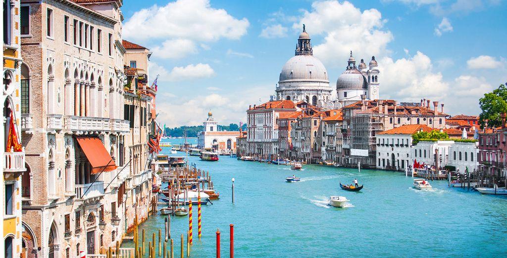 Vuelos más hotel Venecia*