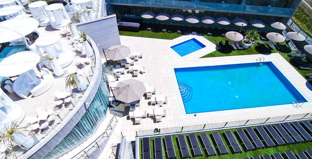 Aparthotel Four Elements Suites 4* - oferta a la ultima hora en Salou