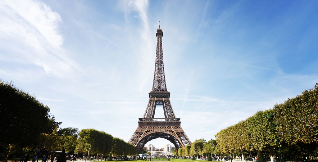 Fotografíate junto a la Torre Eiffel