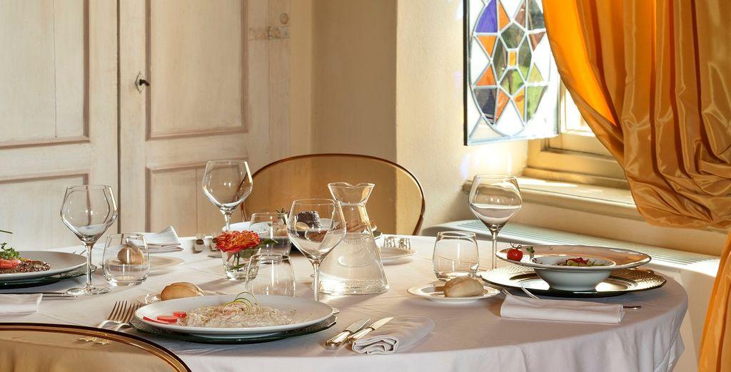 El restaurante se especializa en platos locales y se elaboran con ingredientes cultivados en la finca