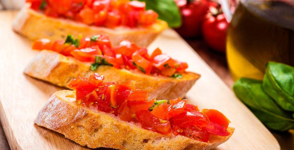 El Restaurante elabora platos refinados de la cocina italiana