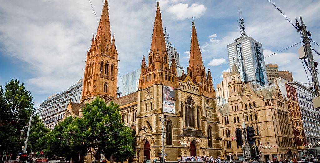 Catedral de St. Paul en el centro de Melbourne