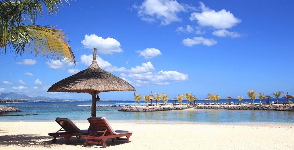 Túmbate en su increíble playa