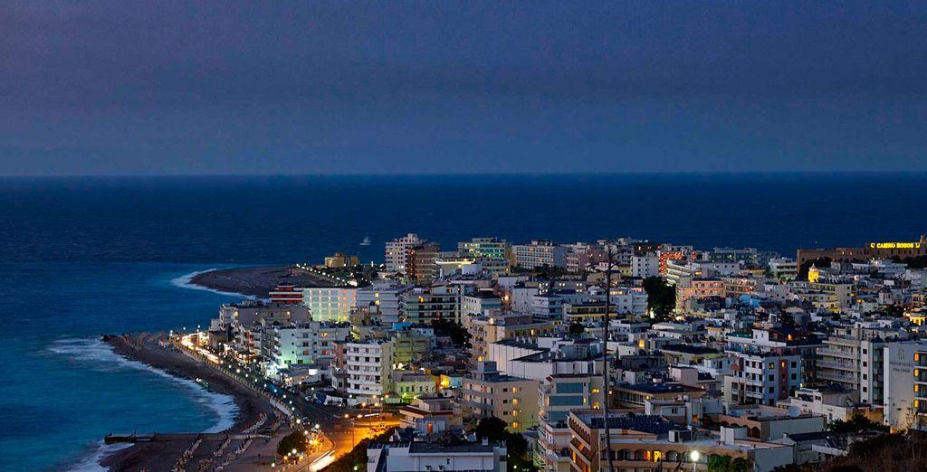 Con vistas a las maravillosas aguas del Mar Egeo