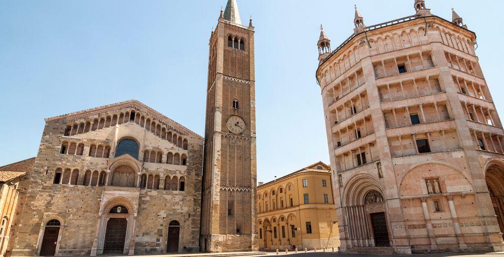 Visite la plaza principal de Parma, donde se encuentra el Duomo