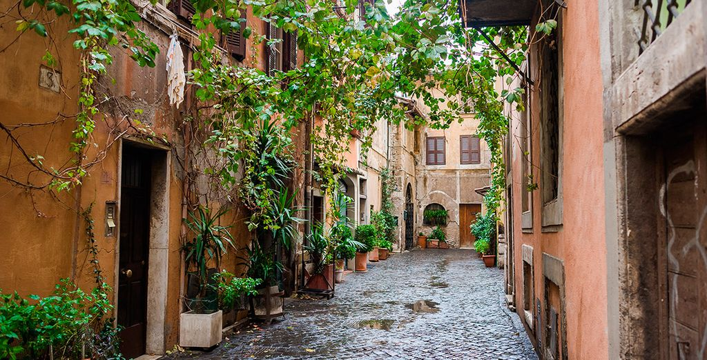 Recuerda visitar el Trastevere, un barrio incomparable