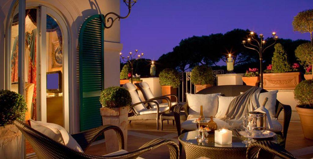 Disfrute de las noches de Roma desde la lujosa terraza