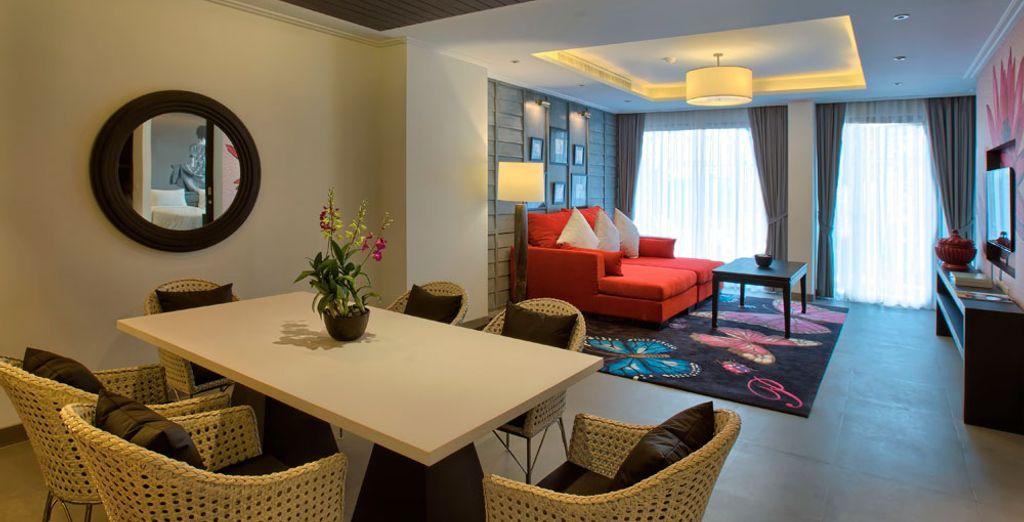 Elige la Suite Jardín con vistas a los jardines del hotel