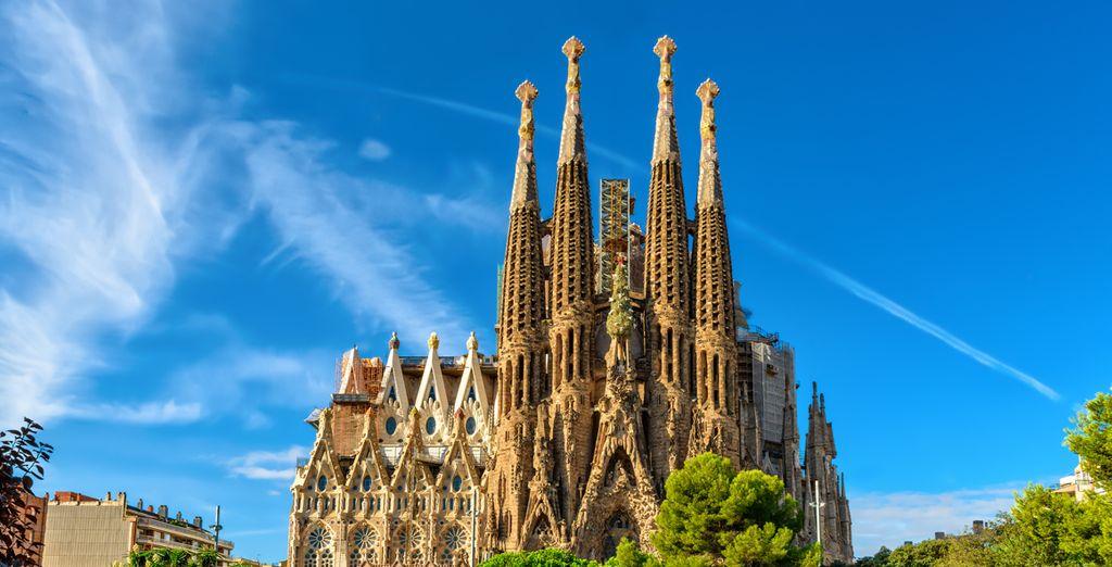 ...y no te pierdas la Sagrada Familia, símbolo de la ciudad