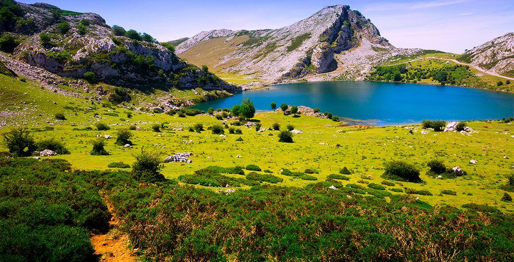 Los Lagos de Covadonga, en los Picos de Europa, un símbolo de Asturias